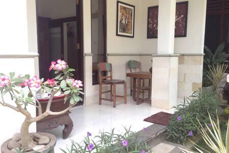 Ubud Room's - Ubud - Bed & Breakfast