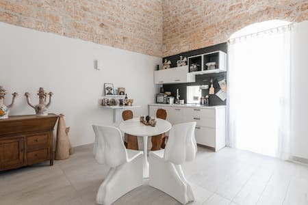 GALLERY HOUSE WITH DOUBLE TERRACE - Ostuni