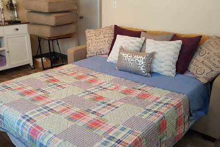 Affordable clean safe stay in the heart of Waikiki - Appartement