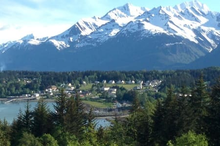 Mountain Ocean View Surrounded by Habitat - Haines - Chalet