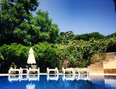 Garden Villas-Pool/TownCentre/Beach - Casa