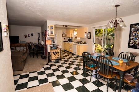 Close to Beach, Casino, Outlet Mall - Lincoln City - Hus