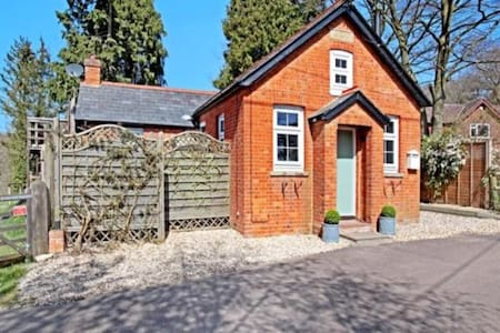 Single room in converted chapel / Peaceful - Hampshire - Andre