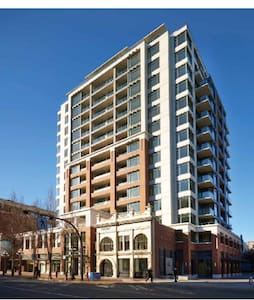 Cozy and functional downtown suite, best location - Condominium