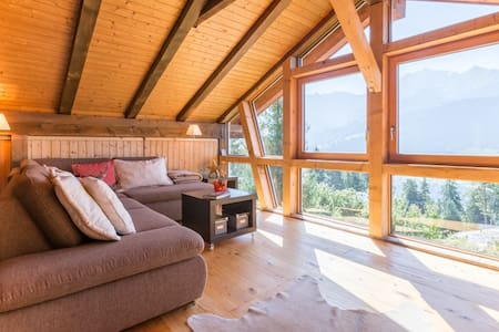 Fantastic 4.5 bedroom apartment in the middle of the Ski Resort Flims Laax Falera - Chatka w górach