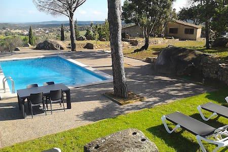 GÎTE RURAL Piscina Tenis & Relaxing - Casa