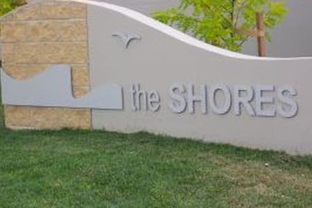 The Shores - two bedroom apartment - Belconnen - Lejlighed