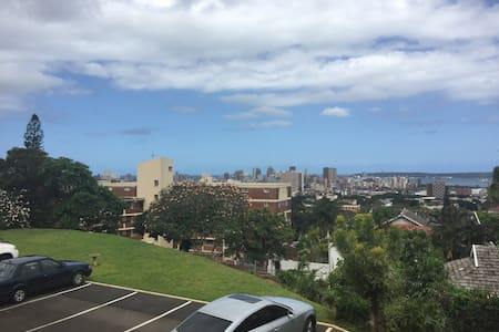 Great apartment in vibey Glenwood - Apartment
