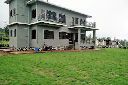 Panchgani Greens - 2 Bedrooms with private lawns - Panchgani