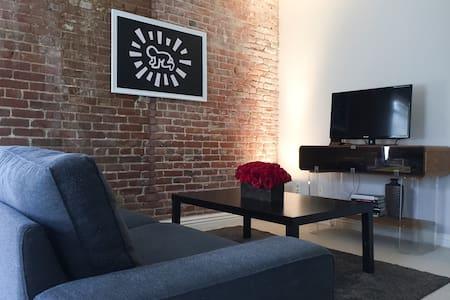 Spacious & Clean Hollywood Studio - Apartment