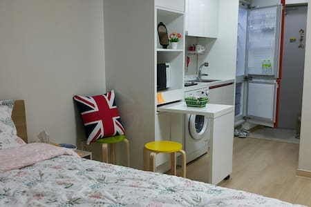 Cozy, Private studio at Subway St. 1 min. - Dong-gu - Departamento