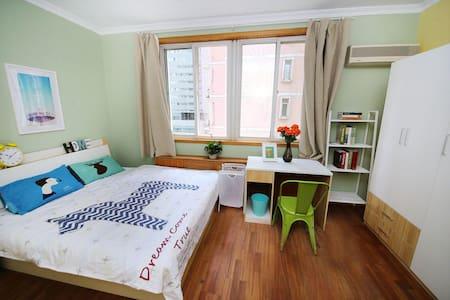 四面敞亮的精装房 - Apartment