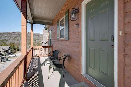 Canyon Cabin 5 Bedroom, 3 Bath Private Home - Talo