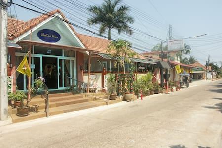 Udon Thai House, Thomas Resort & Hotel - Loft