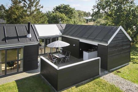 Familievenlig spa sommerhus ved Limfjorden. - Løgstør