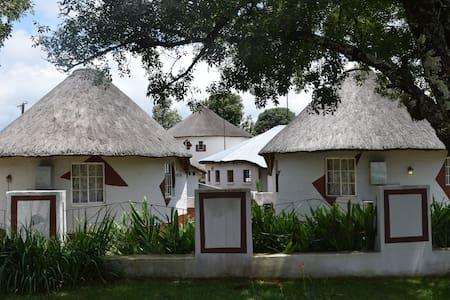Sheri's Lodge - Bungalow
