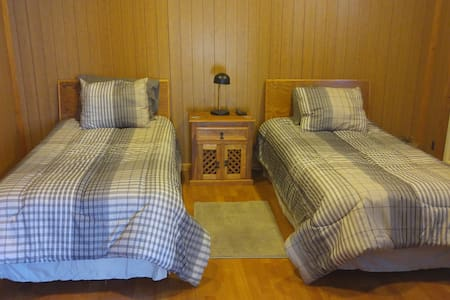 11x13 ft cabin style room - House