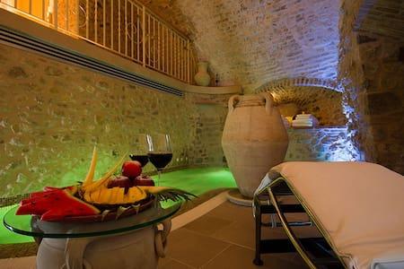 Torre medievale di 3 piani con vasca idromassaggio - Andere