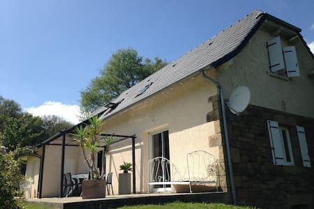Maison de charme à la campagne - Lanteuil