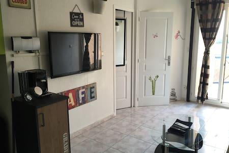 APPARTEMENT EN BORD DE MER A LOUER - Condominium