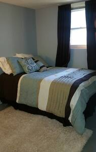 Cool Basement Bedroom in Sturgis for Rally - Sturgis