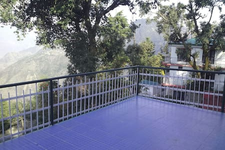 Vj Mo's Green Wood Cottage..enjoy homely comforts - Mussoorie - 住宿加早餐