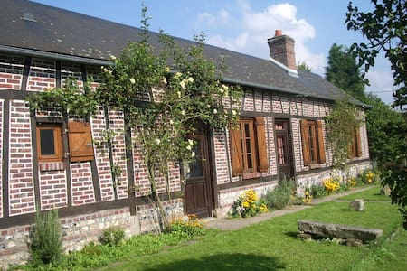 Les Aubépines, traditional Normandy colombage - House