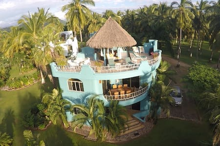 Villa Reyes at Playa Las Tortugas /PlayaPlatanitos
