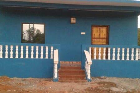 Individual house@Siolim to arambol road - Ház