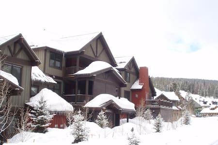 Top floor Copper Mountain Condo - Kondominium
