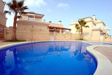 Nice 3bedroom property at the beach - Torre de la Horadada - Huis