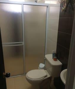Habitación Privada con Cama Doble - Apartment