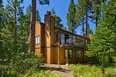 Sugar Pine Park Tahoe Retreat - Haus