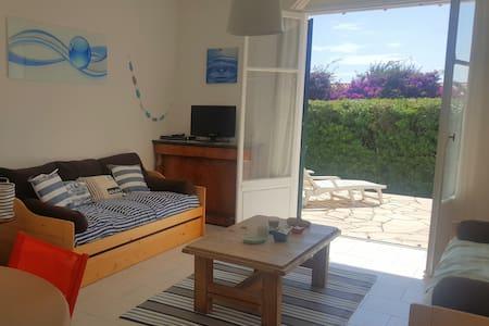 Cap d'Antibes, 2 pièces rdc + terrasse + parking - Flat