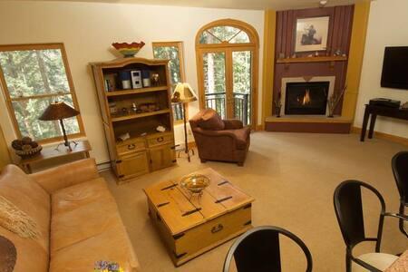 Bear Creek Lodge - 3BR Condo Gold #205