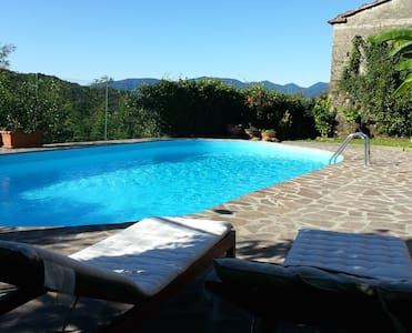 Casa indipendente con piscina. - Province of Massa and Carrara - Apartment