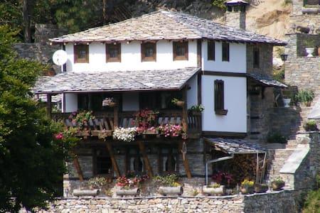 Yancheva House - Villa
