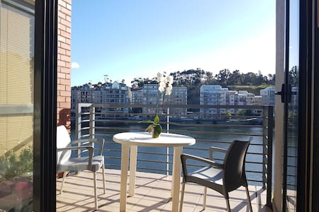 Stunning apartment overlooking Tyger Waterfront - Appartement