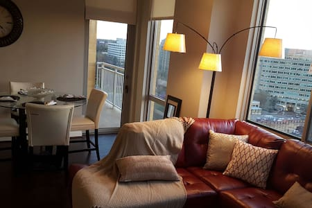 LUX 2BRPenthouse Reston Town Center - 아파트