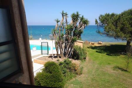 Joli studio face à la mer :) - Santa-Lucia-di-Moriani - Apartmen