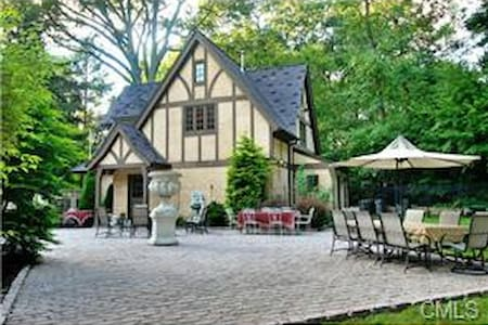 Luxury Guest House in Fairfield, CT - Gjestehus