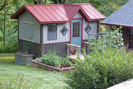 Still Point Tiny House - Pension