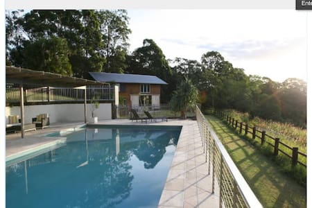 The Barn at Byron-Luxury House - House