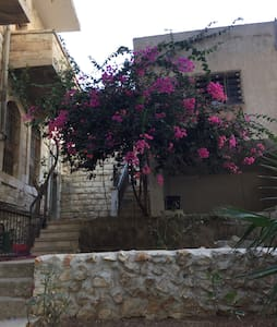Charming old house in Nablus mount - Huis