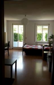 Gemütliche 1-Raum-Souterrain-Whg - Apartamento