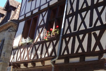 La Dordogne, Charming Beaulieu Apartment - Appartement
