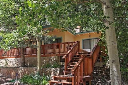 Charming 2BR Cloudcroft Cabin w/Forest Views! - Mayhill - Kulübe