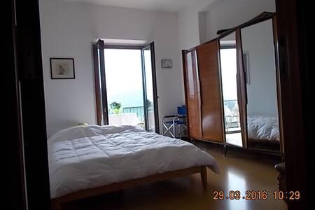 Intera casa solare a 30 min. dal mare in centro - Tempio Pausania - Apartment