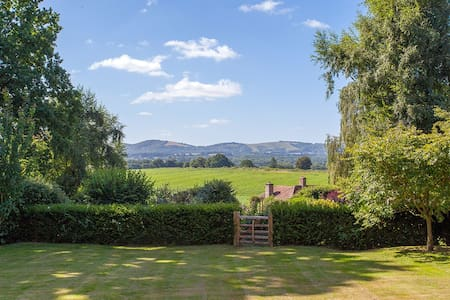 Stylish annex with views of the South Downs - Rogate