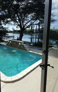 Water View Private Yoga Room - Fort Lauderdale - House
